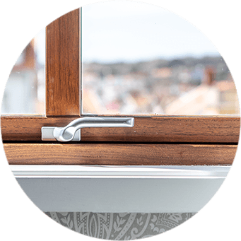 Detalj på fönsterbeslag