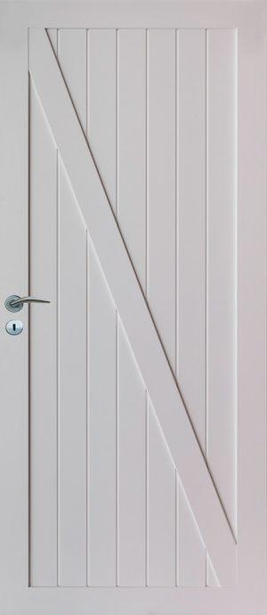 vit innerdörr med ram och tväre