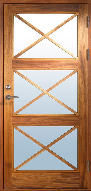 Exklusiv ytterdörr med glas och kryss spröjs
